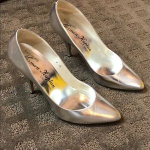 Exclusively NORMAN KAPLAND Silver High Heel Pumps